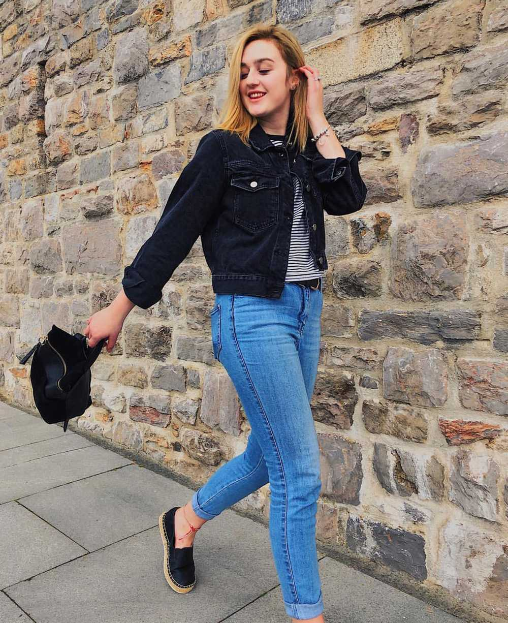 Jeans and a nice tee outfit by Jeanie Lauren